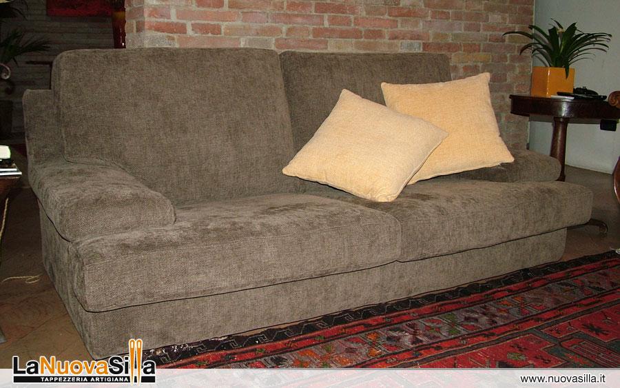 Ricoprire un divano idee per il design della casa for Prezzi per rivestire un divano